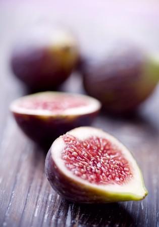 halved: figs halved