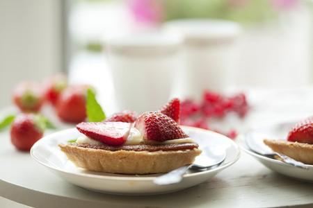 summer tea table setting