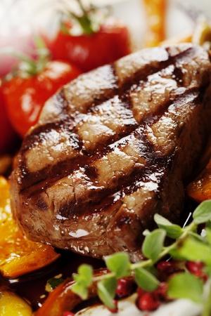 carne asada: Filete de res a la parrilla jugosa