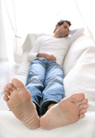 pies masculinos: relajación