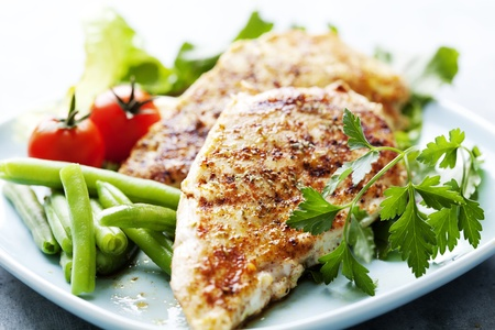 closeup of juicy grilled chicken fillet 스톡 콘텐츠
