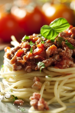 salsa de tomate: Primer plano de una fresca italiana de espaguetis bolo�esa