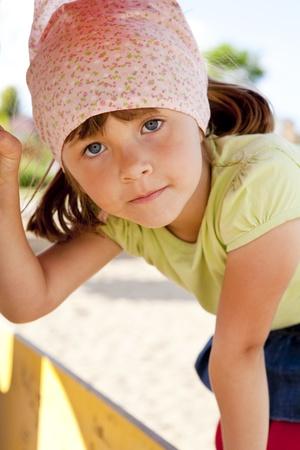 close-up van glimlachende kleine meisje