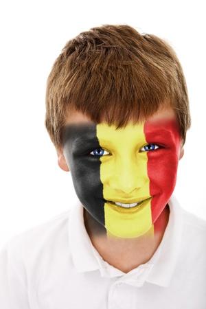 Jonge jongen met België vlag geschilderd op zijn gezicht Stockfoto