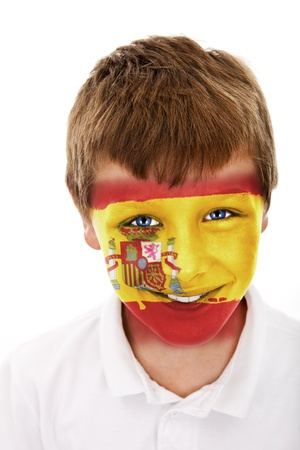 Jonge jongen met spanje vlag geschilderd op zijn gezicht
