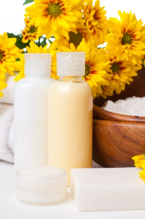 shampoo bottles: Close-up of products for spa, body care and hygiene on a white background