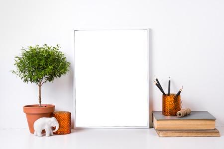 현대 홈 인테리어 프레임 및 인테리어 개체, 디자인 준비 포스터 mock-up