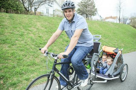 春シーズンのバイクで楽しんで家族