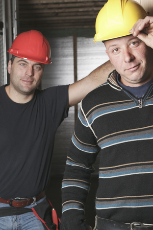 machinerie: Two construction men working
