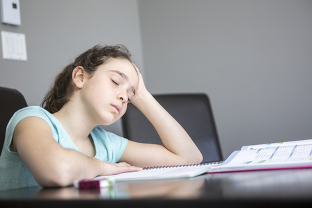 difficulties: A teen with difficulties with learning at home