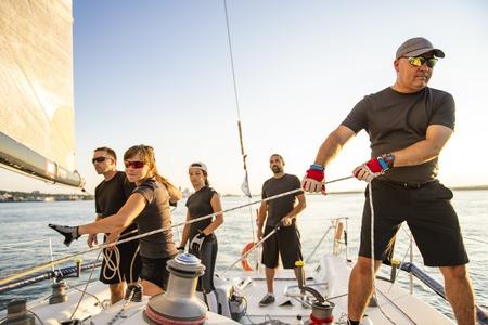 Mannschaftssportler Yachttraining für den Wettkampf