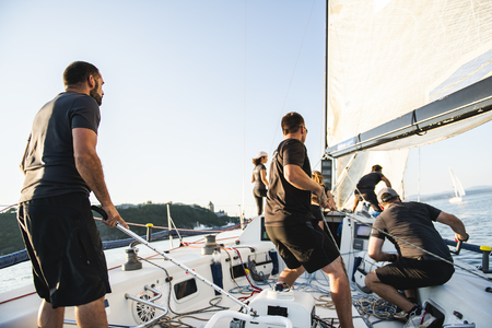 Zawodnicy drużynowi Szkolenie jachtu do zawodów