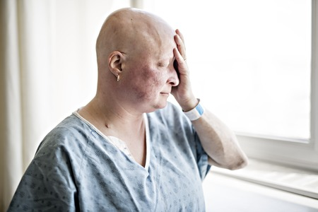 A woman in hospital suffering from cancer Banco de Imagens