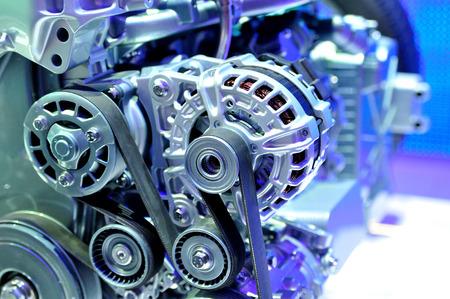 Autolichtmaschine mit Antriebsriemen. Standard-Bild - 46039934