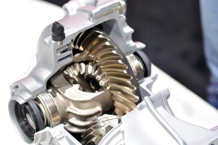 Car differential in cross cuted body. Standard-Bild