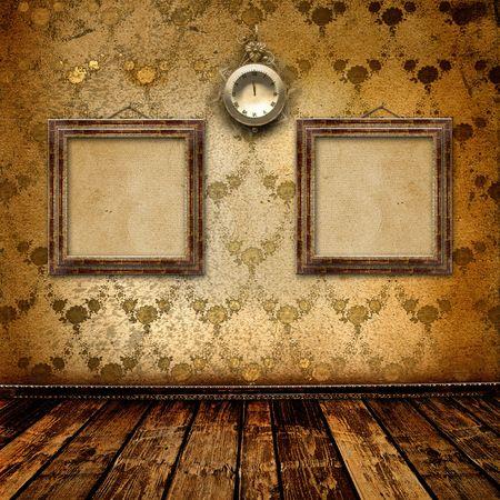 horloge ancienne: Cadran antique avec dentelle et images sur le mur de la salle