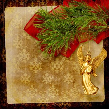 angeles de navidad ngel de navidad colgando de la rama de pino foto de