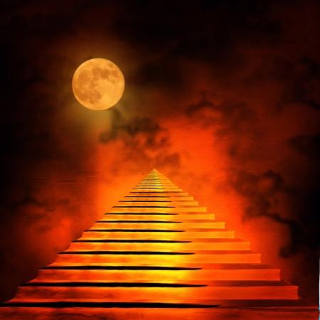 infierno: Escalera que conduce al cielo o al infierno. Luz al final del túnel Foto de archivo