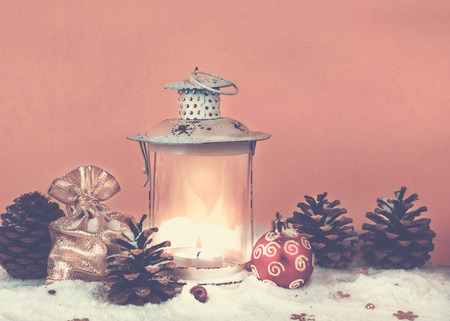 Christmas bag with gifts, Christmas decorations and old lantern Stockfoto - 108126527