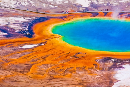 The World Famous Grand Prismatic Spring im Yellowstone National Park Standard-Bild - 19146968