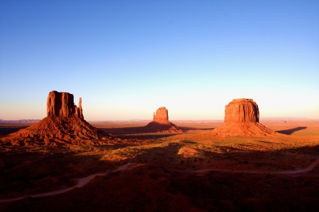 arizona sunset: The Classic Western Landscape in Monument Valley ,Utah
