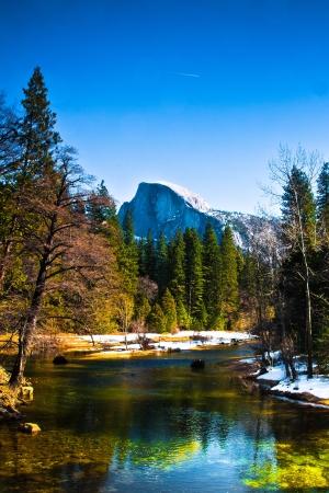 Half Dome Felsen, das Wahrzeichen von Yosemite National Park, Kalifornien Standard-Bild - 19194640