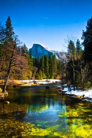Half Dome Felsen, das Wahrzeichen von Yosemite National Park, Kalifornien Standard-Bild - 19194590