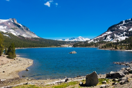 sierra snow: Snow-capped Mountains and Lake in Yosemite National Park,California