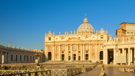 amazing st.peters cathedral square view