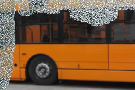 unbreakable glass damaged by crash Standard-Bild