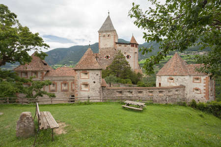 VAL ISARCO, ITALY - JULY 27, 2017: Castel Trostburg it is one of the largest fortified complexes in South Tyrol. The history of the fortress dates back to the XII century Banco de Imagens - 142677422