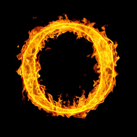letras negras: o, carta de fuego