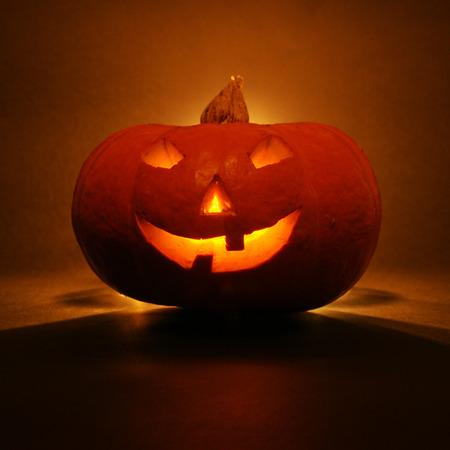 lantern, illuminating pumpkin in dark night Stok Fotoğraf