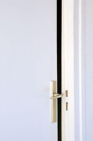 spiraglio: porta aperta impostare socchiuso visibile con linguetta