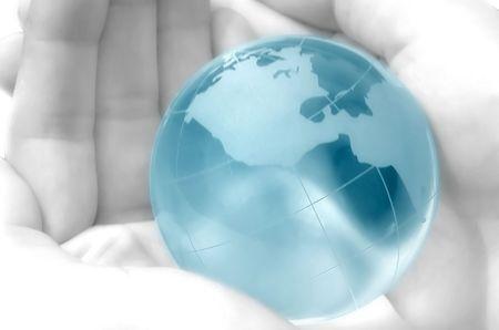 madre tierra: d� sostener un globo azul, atm�sfera velada, dreamy