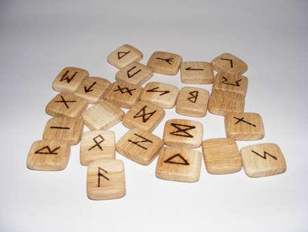 runes: Runes en bois