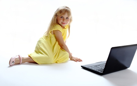 acquaintance: first acquaintance to a laptop