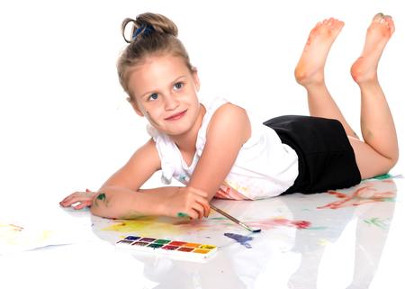 Meisje ligt op de vloer Stockfoto - 90772709