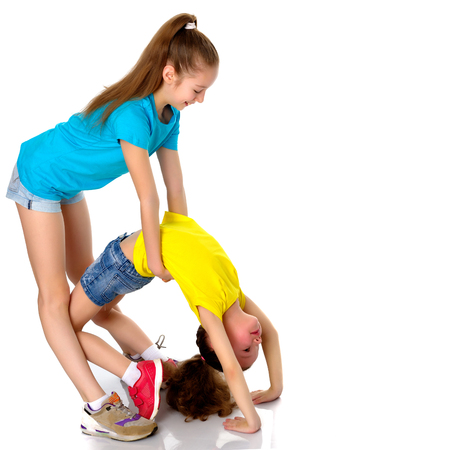Girls gymnasts warm up. Banque d'images