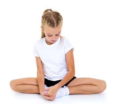 Little girl doing twine