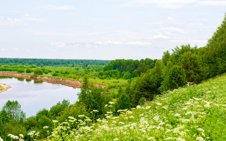 The view from the bank of the river in Vetluga. Kostroma region. Imagens - 124756268