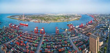 Paisaje de la terminal de contenedores del puerto de Shanghai