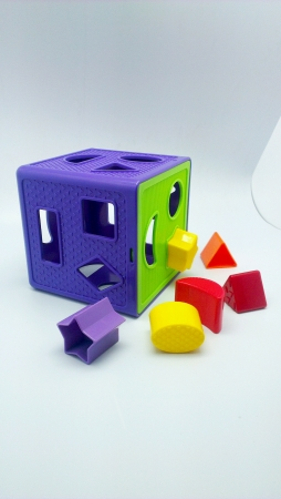 isolated: Colorful plastic shape toys