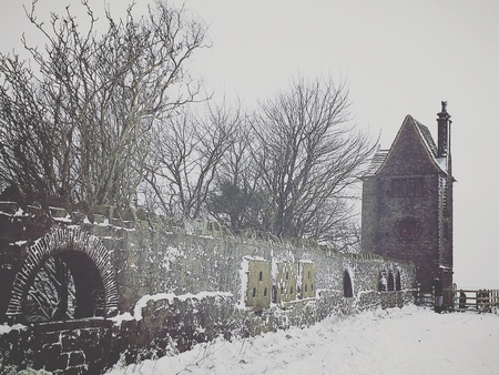 lancashire: Pigeon tower in the snow - Rivington