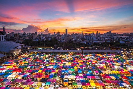 Multi-colored tents /Sales of second-hand market in Bangkok 스톡 콘텐츠