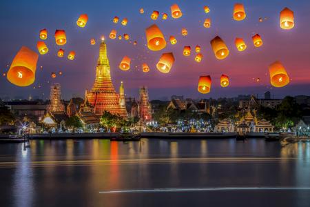 ワット ・ アルンラーチャワラーラーム タイ 写真素材