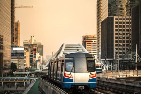 バンコク、タイの近代的な列車 報道画像
