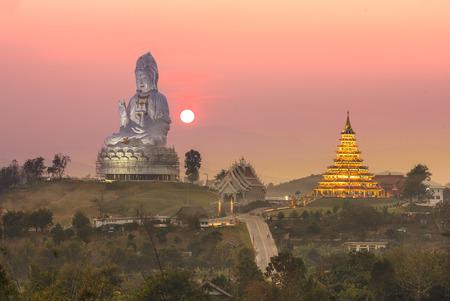 huay: Wat Huay Plakang 9 Tier Temple