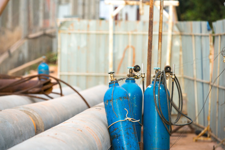 compressed gas: Gas Construction