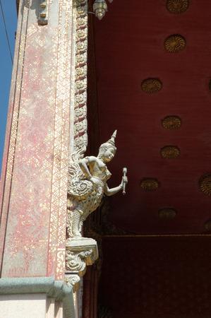 moulded: Moldeado Lime Kinnari en el templo Polo Foto de archivo